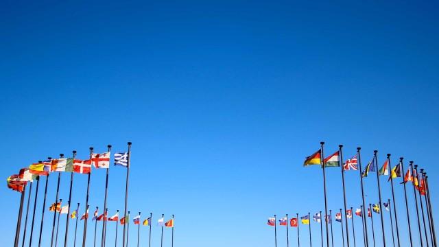 world-happy-flags